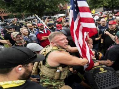 李长久:美国维护白人特权与种族矛盾加剧